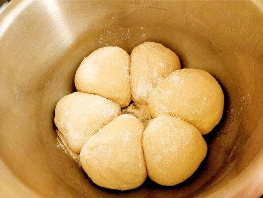 ホットクックでパン作り焼く