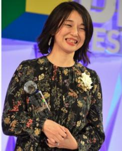 安達奈緒子 画像
