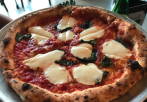 つんく よく行く店 ピザ