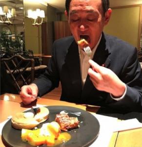 菅義偉 パンケーキ