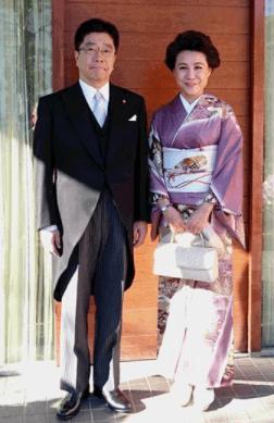 加藤勝信 妻 周子