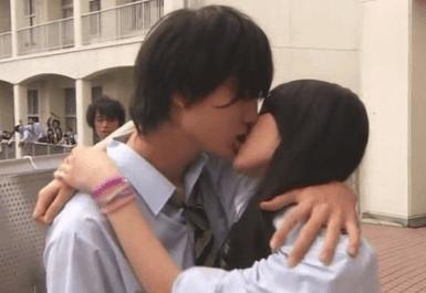 伊藤健太郎 昼顔 キスシーン