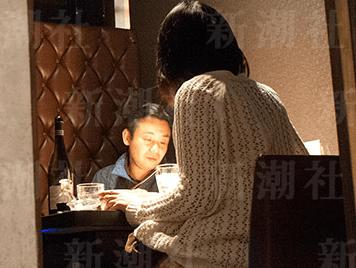初鹿明博 不倫 舞台女優