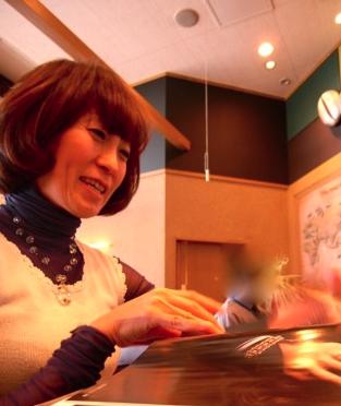 LiSA 母親 顔画像 美容院