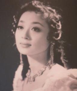 香川照之 母親 浜木綿子